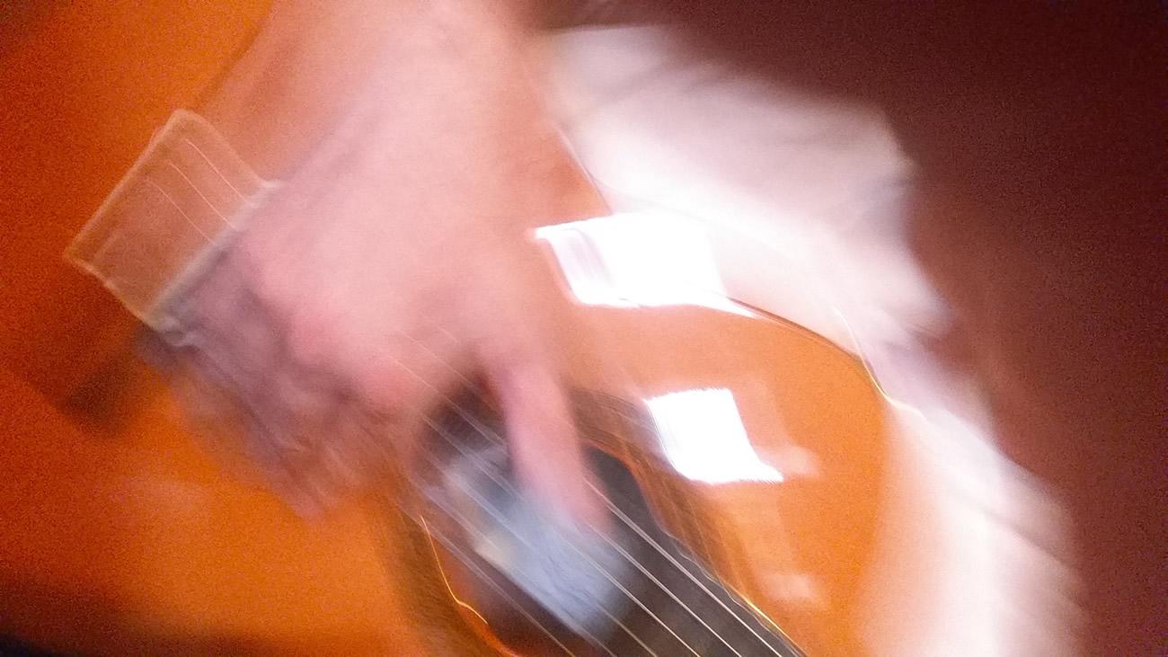 20160618_132010_001-guitare